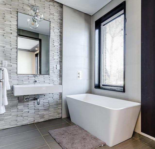Sealing Gaps In The Bathroom