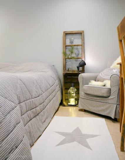 makuuhuone harmaa joulu sisustus maalaisromanttinen