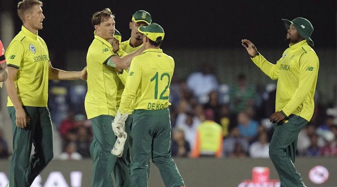 South Africa go 1-0 up with last-ball win over England in first T20