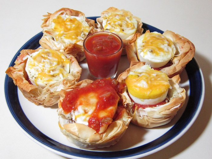 Southwestern egg and cheese cups recipe