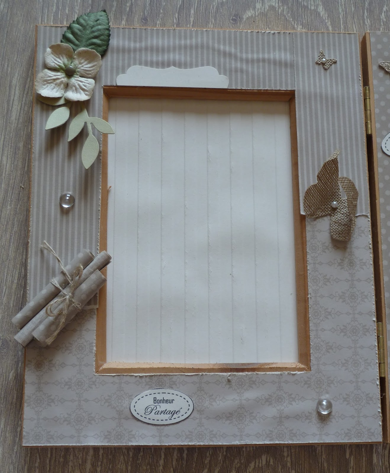 scrap ana s cadre photo tryptique. Black Bedroom Furniture Sets. Home Design Ideas