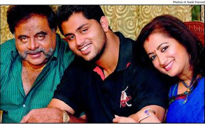 Sumalatha  Ambareesh Happy family