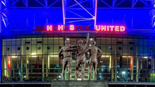 Markas Manchester United Membiru