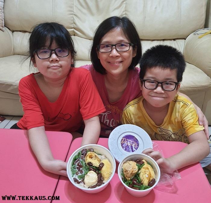 Justberrys Dessert House Menu-Durian Desserts Anyone?