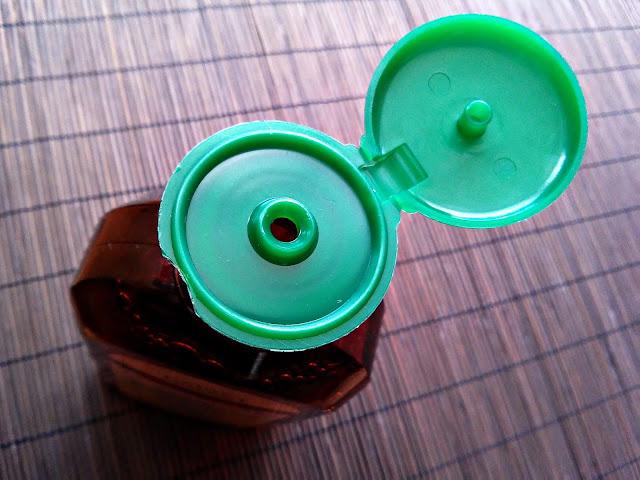 Green Pharmacy - Szampon do włosów normalnych i przetłuszczających się - Nagietek lekarski, otwarcie opakowania