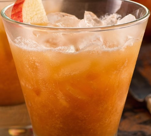 The BEST Fall Punch Recipe For Parties #drinks #falldrink