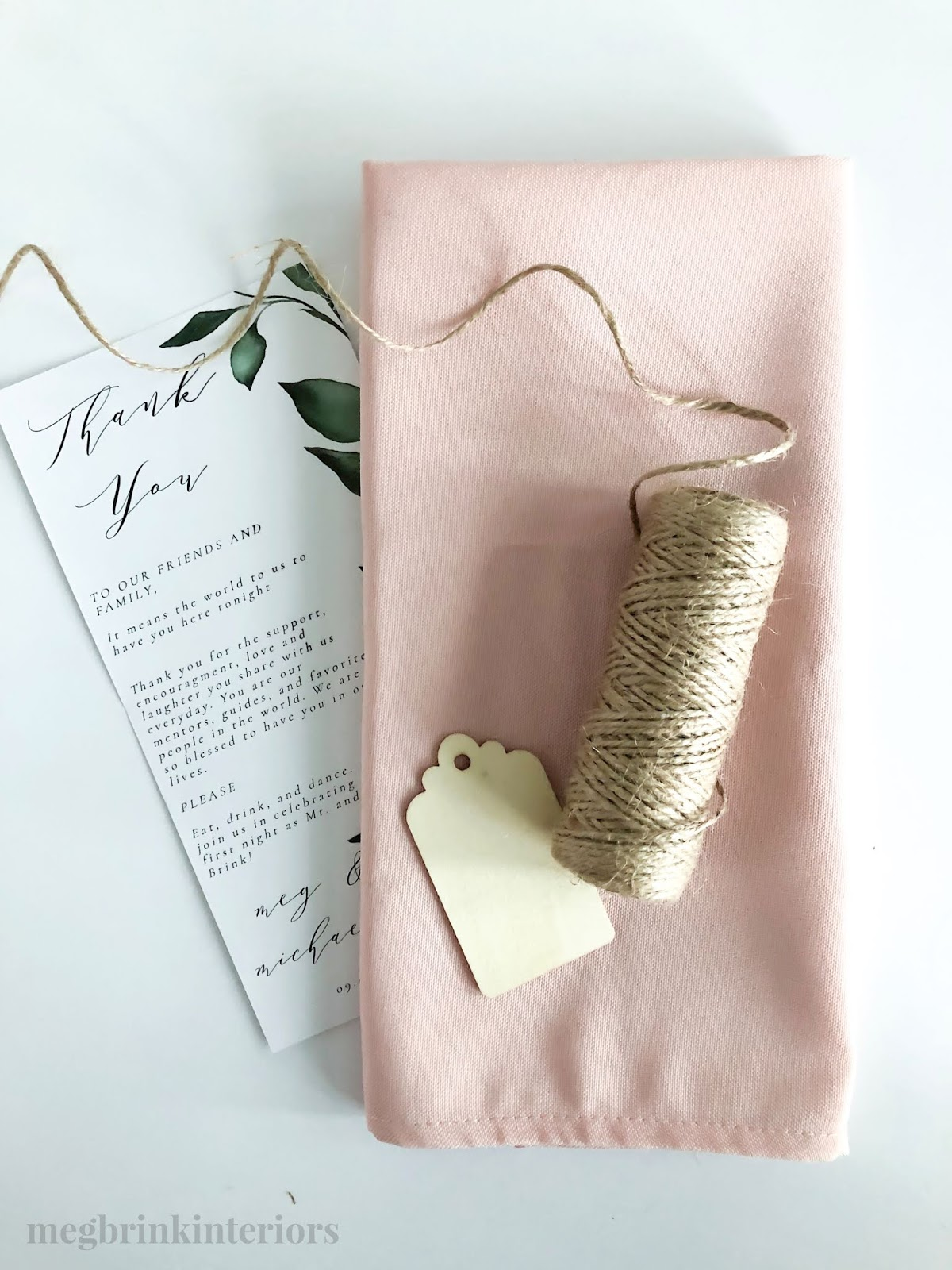 Learn how to make these adorable DIY greenery wedding place setting for super affordable!