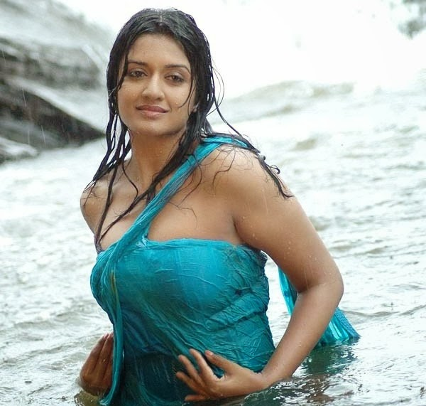 south indian girl bathing naked