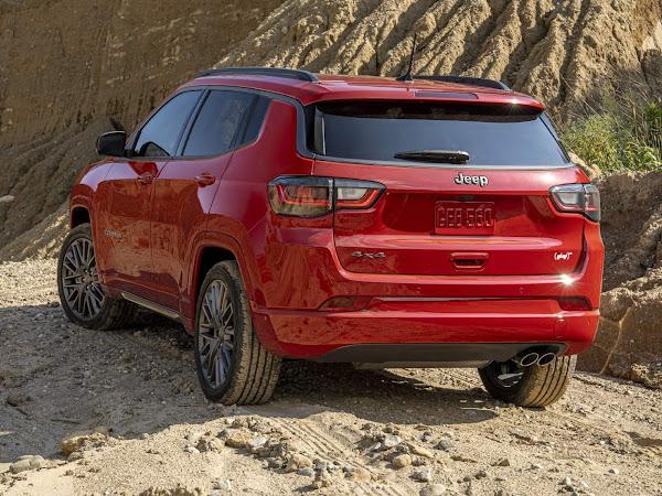 Jeep Compass 2022 ganha série especial RED nos EUA