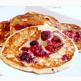 Denice Emoberg protein pancakes & raspberries, recipe, clean eating, meal prep