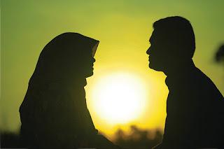 suami istri romantis