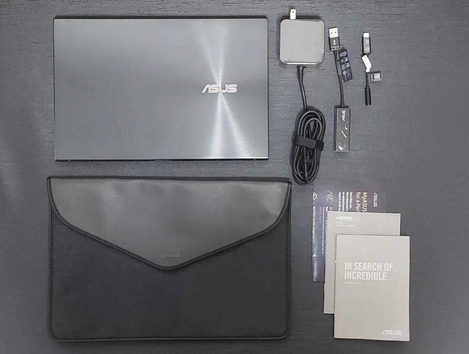 ASUS ZenBook 13 OLED UX325 Retail Package