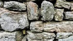 दो पत्थरों की ज्ञानवर्धक कहानी Story of Two Stones in Hindi - Vapi Media News