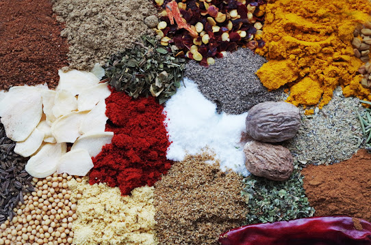 Curry powder as Turmeric substitute :
