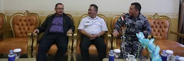Wali Kota Tarakan Mengantar Asops Kasal Berserta Rombongan di Ruang Vip Room Bandara Juwata