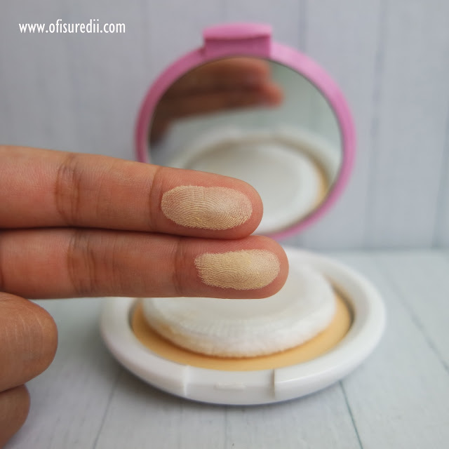 marina smooth and glow compact powder ivory
