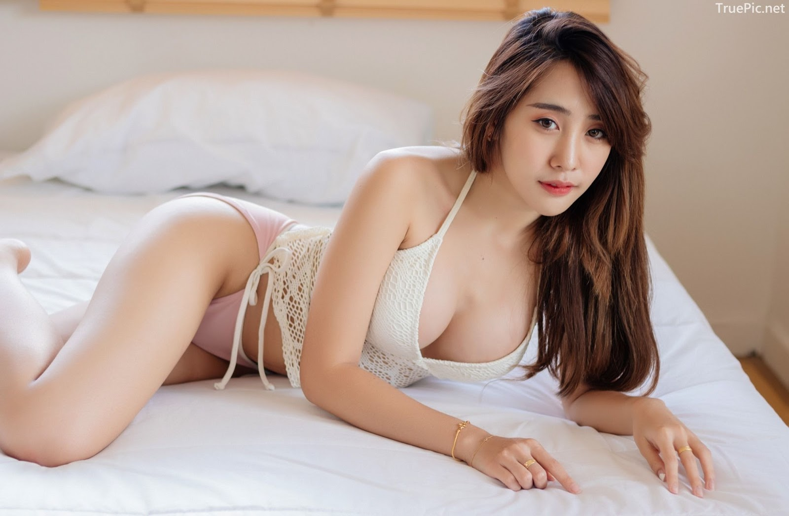 Thailand model Suneta Ngachalvy so sexy with album Bring me a Donut - Picture 1