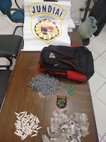 Apoio Tático e Canil da Guarda de Jundiaí localizam quase meio quilo de drogas no Jundiaí Mirim
