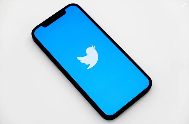 """يعمل تويتر على ميزة """"محول الصوت"""" لـ المساحات"""