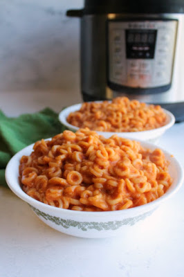 Make homemade Spaghettios in your instant pot then pack them in your kid's thermos for a hot and tasty lunch. This easy meal will make you relive your childhood in the tastiest kind of way!
