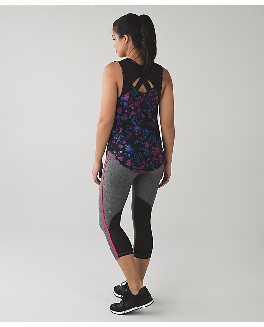 lululemon real-quick-crops
