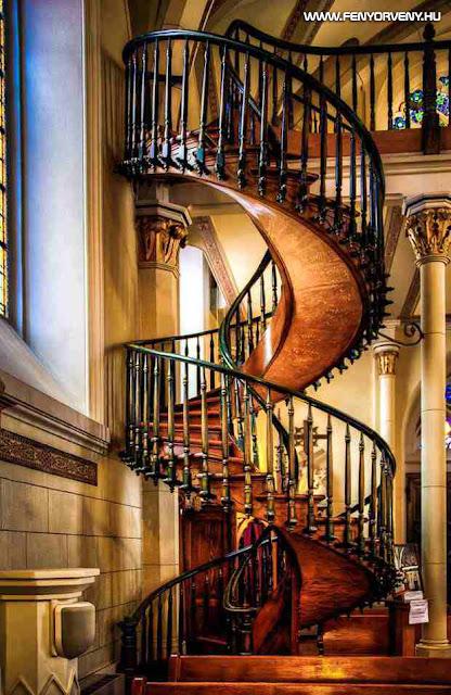 145 éve épült, de ma sem tudják hogyan - a Loretto kápolna rejtélyes lépcsője