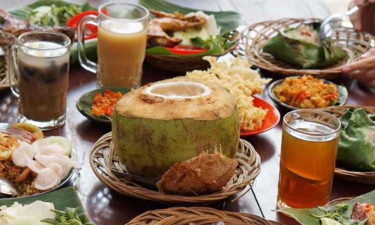 25 Minuman & Makanan Khas Bogor yang Wajib Anda Coba