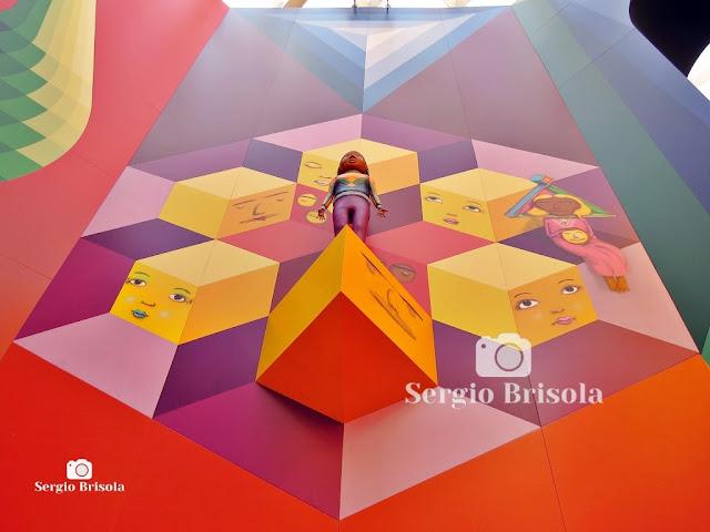Instalação no Octógono da Pinacoteca SP (4) - OsGemeos