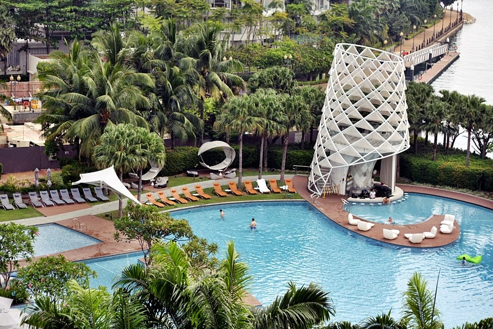 W HOTEL SINGAPORE SENTOSA COVE ON DELUXSHIONIST LUXURY TRAVEL REVIEW