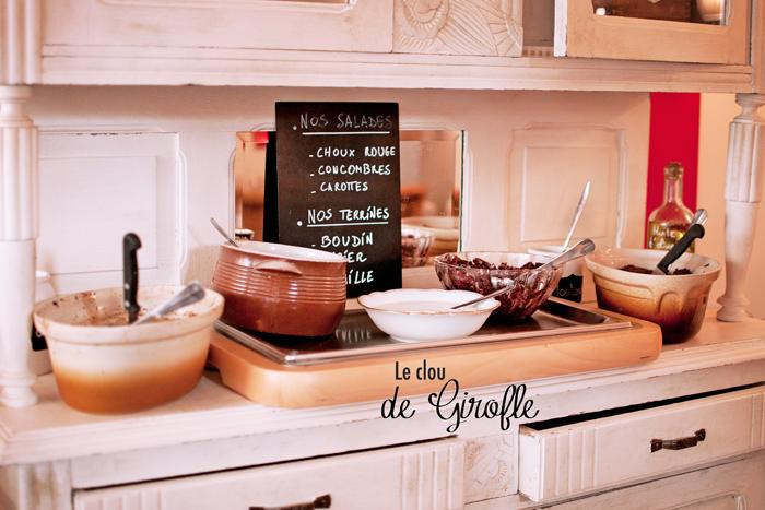vue du buffet des entrées au Restaurant le clou de girofle à Caen