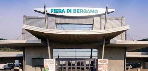 إيطاليا، تحويل معرض برغامو إلى مستشفى متخصص لمكافحة فيروس كورونا