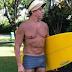 Foto de presidente do TRE de sunga em praia durante biometria provoca polêmica