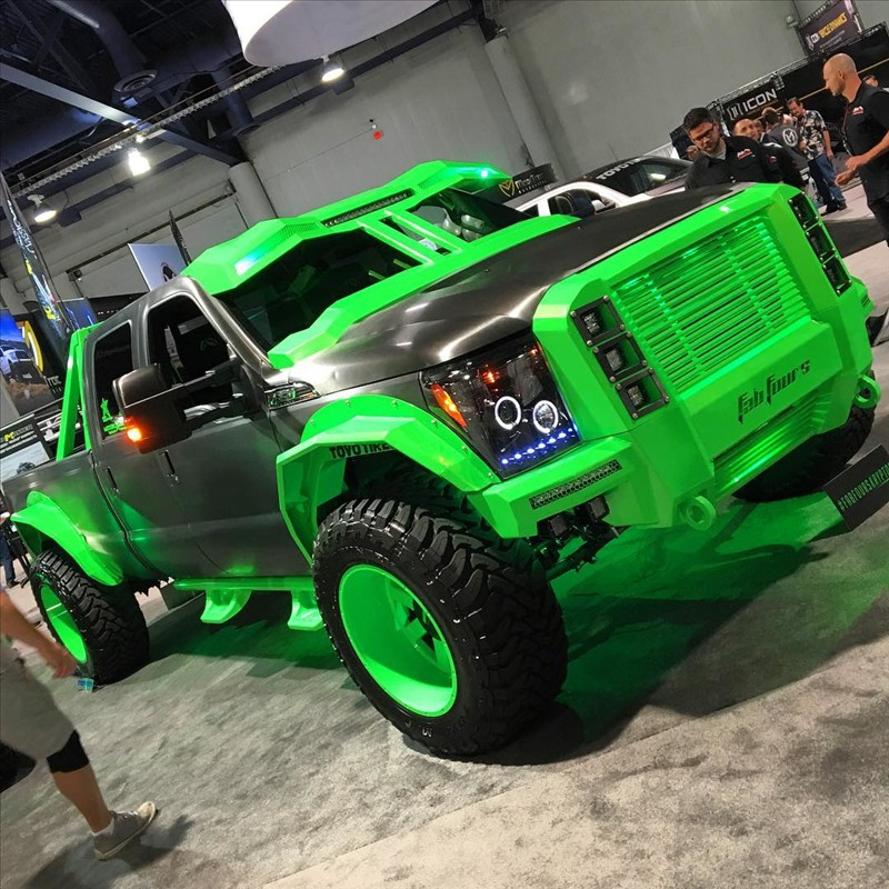 An interesting custom at SEMA show