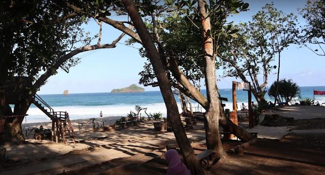 10 Foto Pantai Sendiki Malang Harga Tiket Masuk & Penginapan