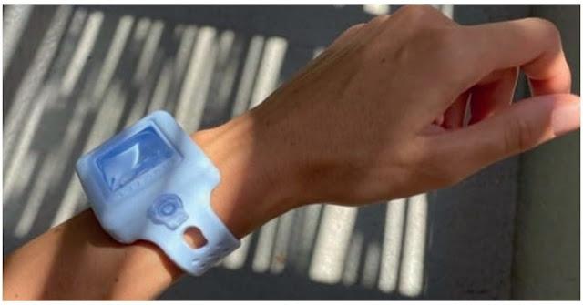 Descubre la pulsera que revoluciona la forma de usar alcohol gel