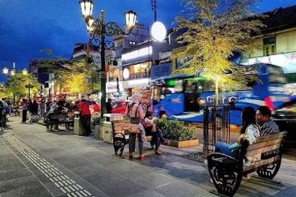 Ini 5 Kota Favorit Backpacker di Pulau Jawa Yang Wajib Kalian Kunjungi Pakai Motor