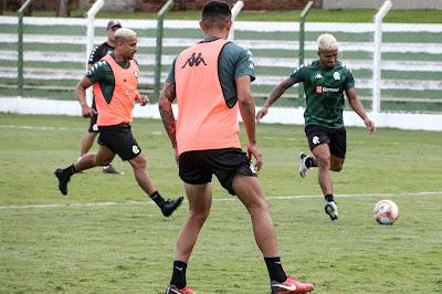 Com apenas quatro jogadores de linha na reserva, Remo finaliza preparação para o jogo contra o Vila Nova no Centro de Treinamento do Goiás, confira a provável escalação
