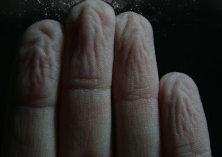 Resultado de imagen para imagenes de dedos arrugados