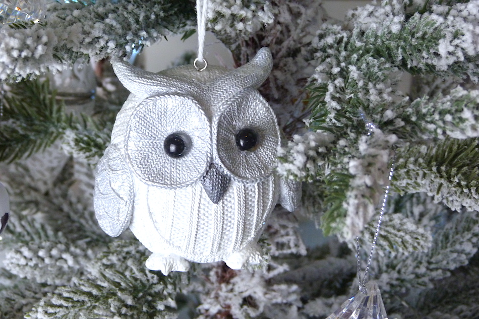 an image of Vintage owl tree decoration