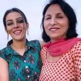 Yamini Malhotra with her mother