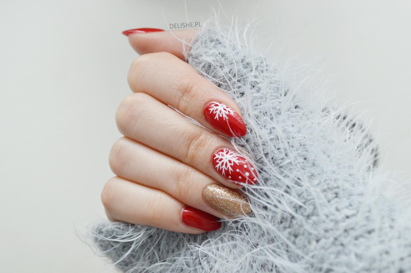 czerwone paznokcie na święta