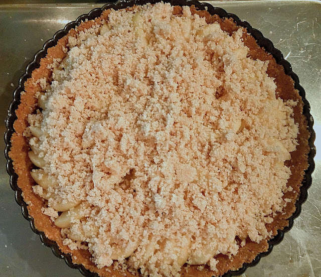pear tart with crumb topping