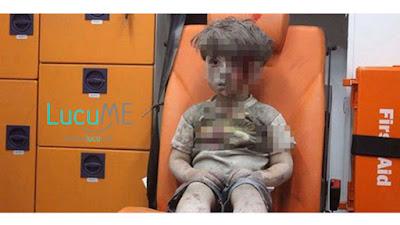 Video Penyelamatan Bocah Suriah Bernama Omran Ini Bikin Dunia 'Tertampar' dan Menangis