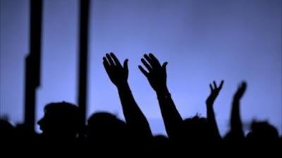 Tuhan Bersorak - Sorai Untuk Anda