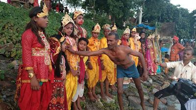 kshetra-ke-kaii-gauon-ke-darjano-logo-ke-sahyog-se-ek-vishal-shobhayatra-ka-ayojan-kiya-gaya