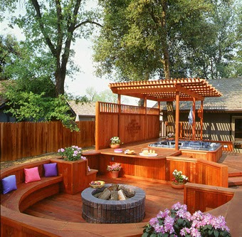 Backyard deck design; backyard deck ideas; small backyard deck ideas; small backyard deck design; backyard wood deck; backyard design ideas; small backyard design ideas