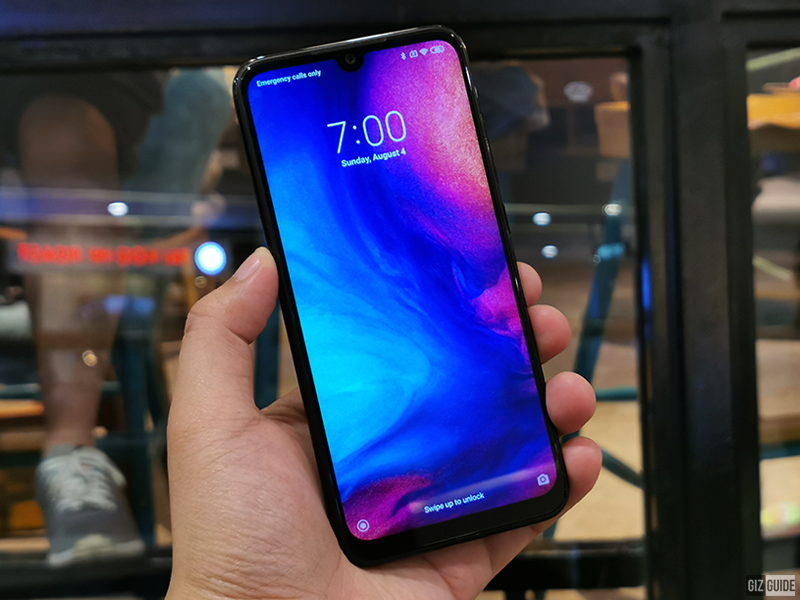 Big display with a tiny notch