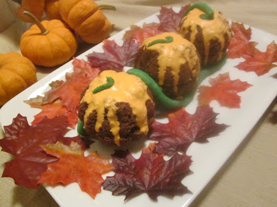 Pumpkin Shaped Mini Chocolate Pumpkin Cakes