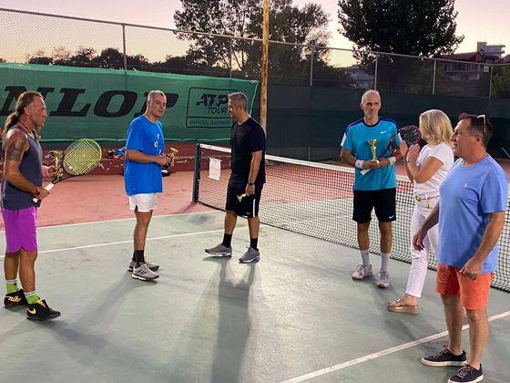 Η Δήμαρχος Στυλίδας έκανε την απονομή του τελικού στο διπλό ανδρών του καλοκαιρινού τουρνουά του ΟΑΑΦ