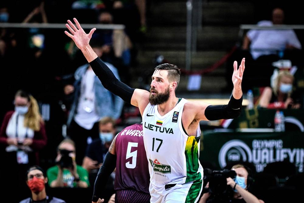 Jonas Valanciunas é o principal destaque da seleção lituana de basquete masculino